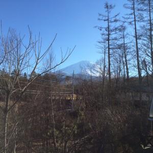 遠景ですが、今朝の富士山